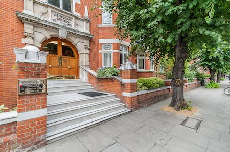 Abingdon Court exterior - Edwardes Square Scarsdale and Abingdon Association