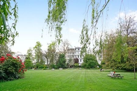 London Open Garden Squares Weekend, Ladbroke square