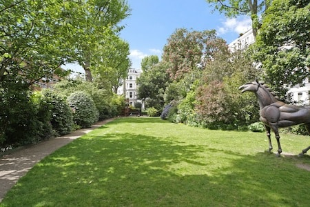 Notting Hill and Kensington Garden Squares - Lexham Gardens