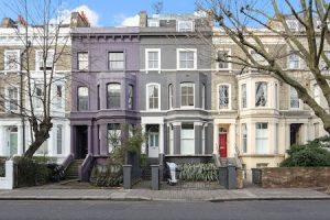 Top tips for selling your house this summer - exterior view of Notting Hill terrace houses