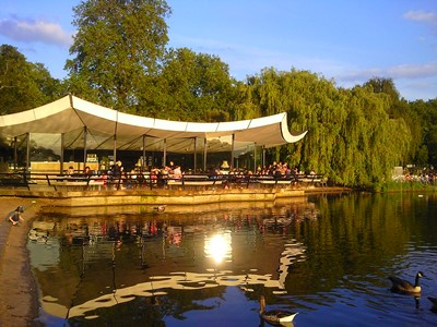 best places for outside dining in Notting Hill, serpentine bar & kitchen