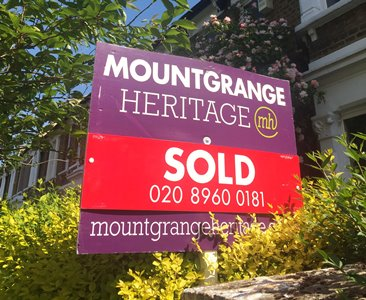six pitfalls of using an online estate agent, sale board